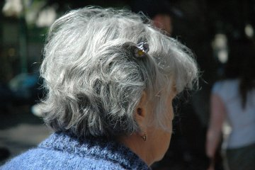 פיטורים לפני גיל פרישה – העדר התייחסות לגיל בהליך פיטורים עשוי להכתים את ההחלטה